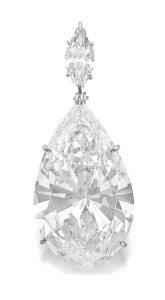 Lot 369 - Important diamond pendant