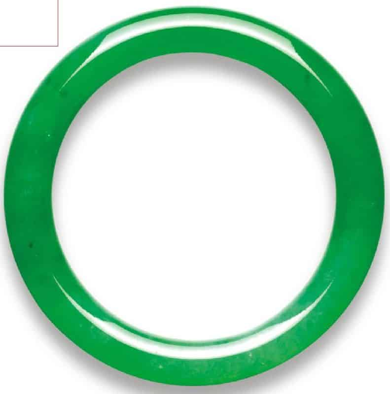 LOT 2038 - AN IMPORTANT JADEITE BANGLE