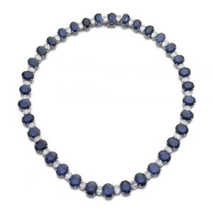 LOT 916 - SAPPHIRE AND DIAMOND NECKLACE