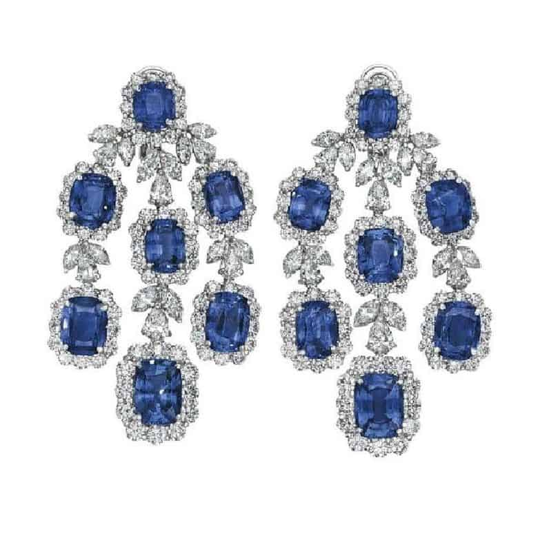 LOT 251 - PAIR OF EAR PENDANTS OF SAPPHIRE AND DIAMOND JEWELRY SUITE