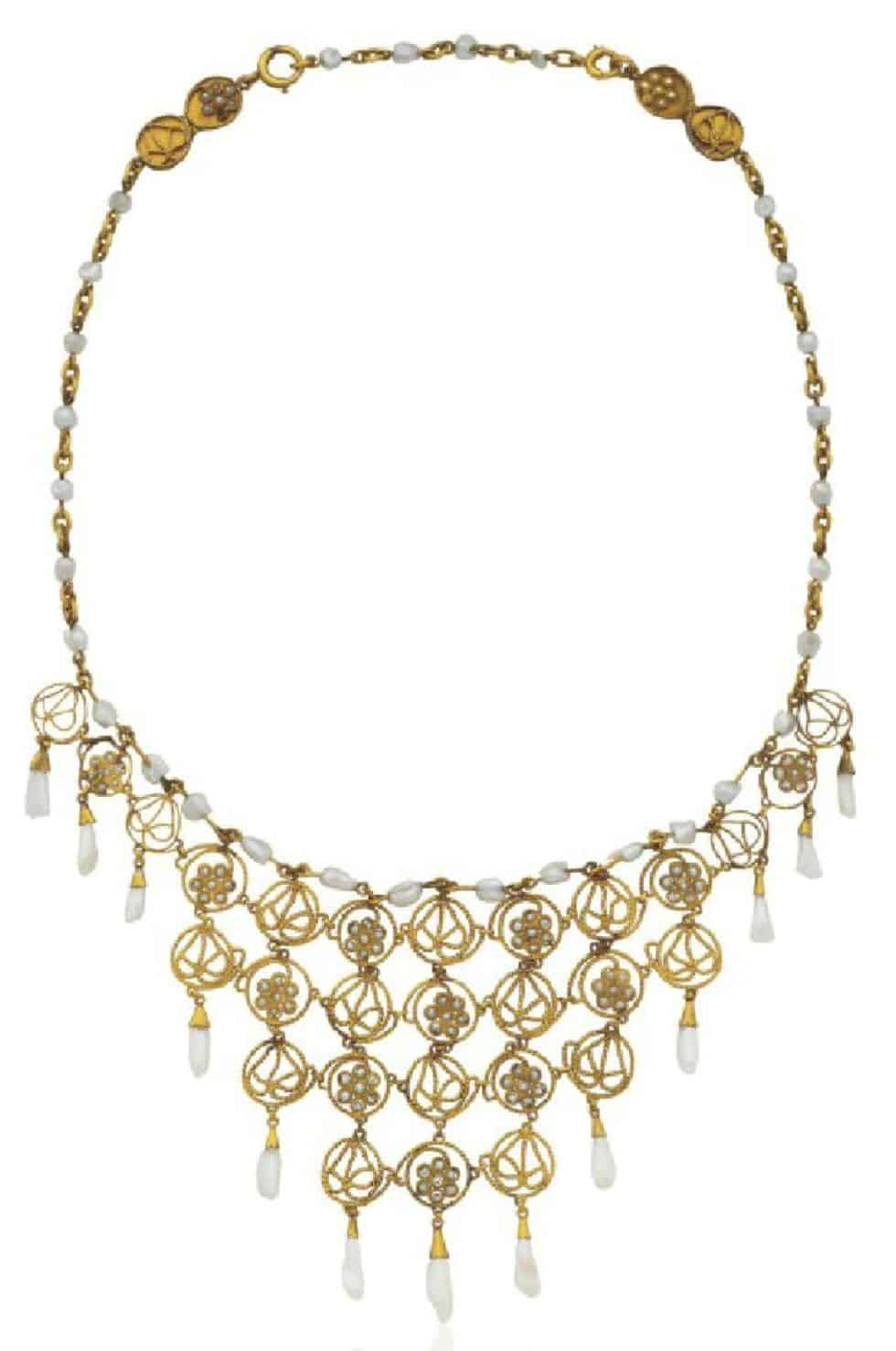 LOT 145 - A DELICATE PEARL AND GOLD BIB NECKLACE, BY LOUIS COMFORT TIFFANY, TIFFANY & CO.