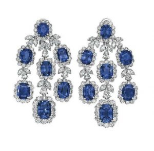 LOT 251 - PAIR OF EAR-PENDANTS OF SAPPHIRE AND DIAMOND JEWELRY SUITE