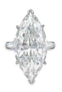 LOT 258 - A DIAMOND RING, BY HARRY WINSTON