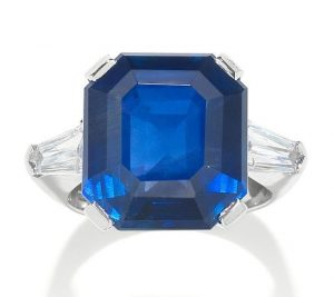 LOT 182 - SAPPHIRE AND DIAMOND RING SET WITH 18.50-CARAT, OCTAGONAL STEP-CUT BURMA BLUE SAPPHIRE