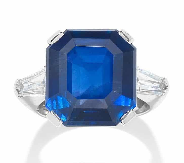 LOT 182 - SAPPHIRE AND DIAMOND RING SET WITH 18.50-CARAT, OCTAGONAL STEP-CUT BURMA BLUE SAPPHIRE