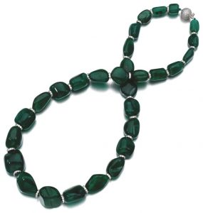 LOT 276 - EMERALD AND DIAMOND NECKLACE