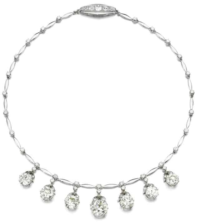 LOT 267 - DIAMOND NECKLACE