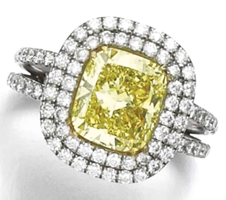 LOT 278 - FANCY INTENSE YELLOW DIAMOND RING