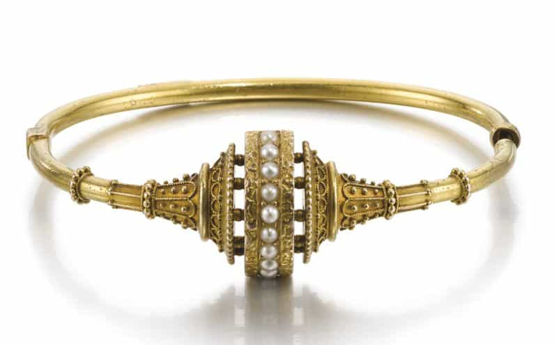 LOT 306 - ETRUSCAN REVIVAL STYLE BANGLE