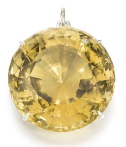 LOT 302 - UNMOUNTED CITRINE, MOUNTED ON A PENDANT BY SOTHEBY'S