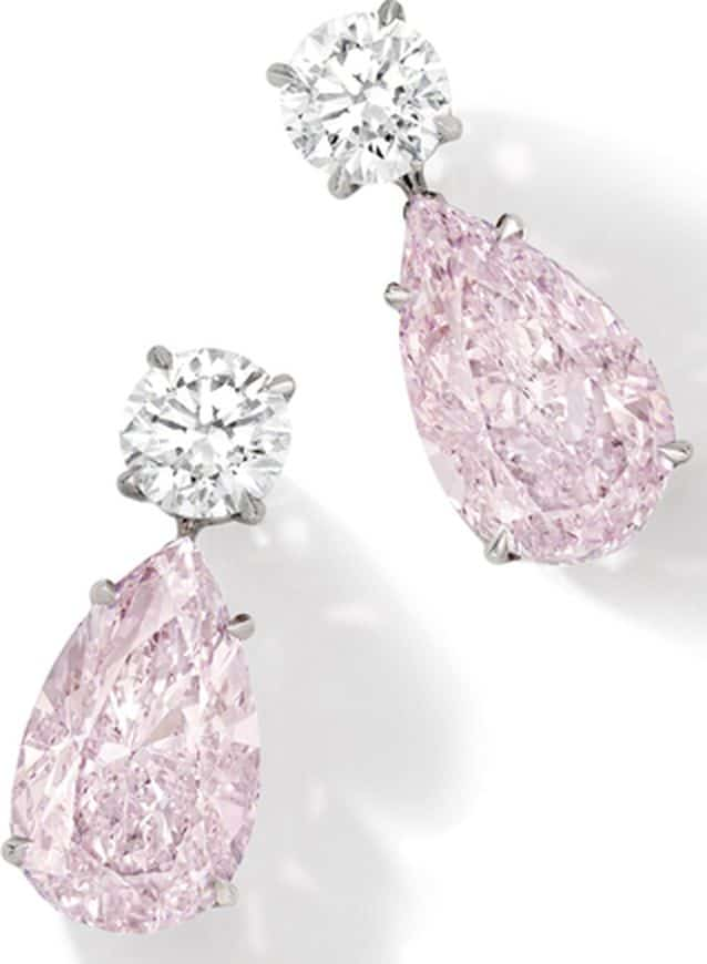 LOT 1852 - EXQUISITE PAIR OF FANCY PINK DIAMOND AND DIAMOND PENDENT EARRINGS