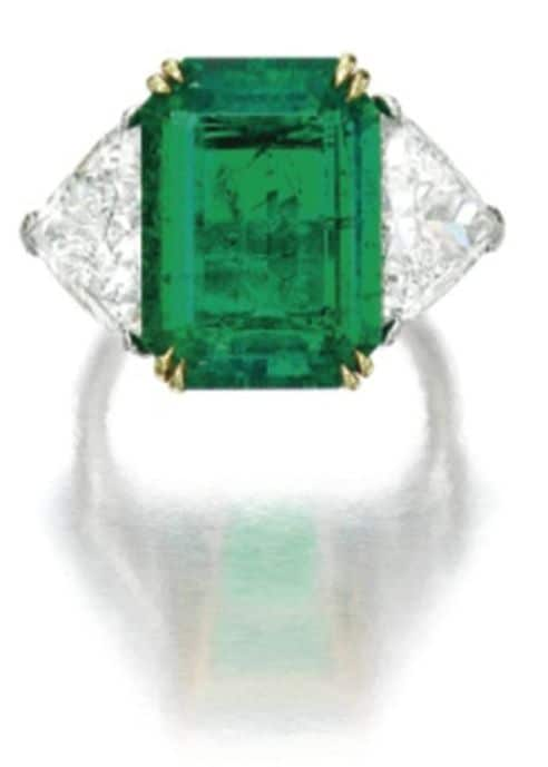 LOT 1862 - EMERALD AND DIAMOND RING OF VCA PARURE ENLARGED