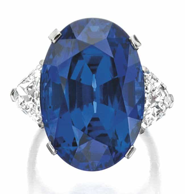 LOT 1845 - IMPORTANT SAPPHIRE AND DIAMOND RING, BULGARI