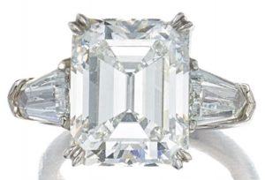LOT 9196 - DIAMOND RING, GRAFF