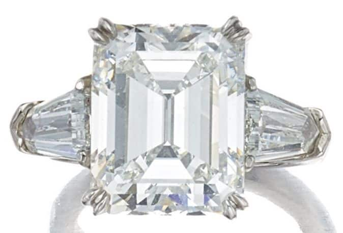 LOT 9196 - DIAMOND RING, GRAFF