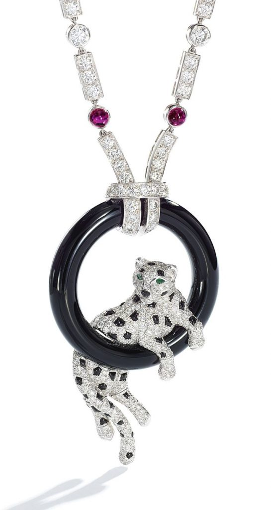 LOT 9210 - CARTIER PANTHERE PENDANT NECKLACE WITH THE PENDANT ENLARGED
