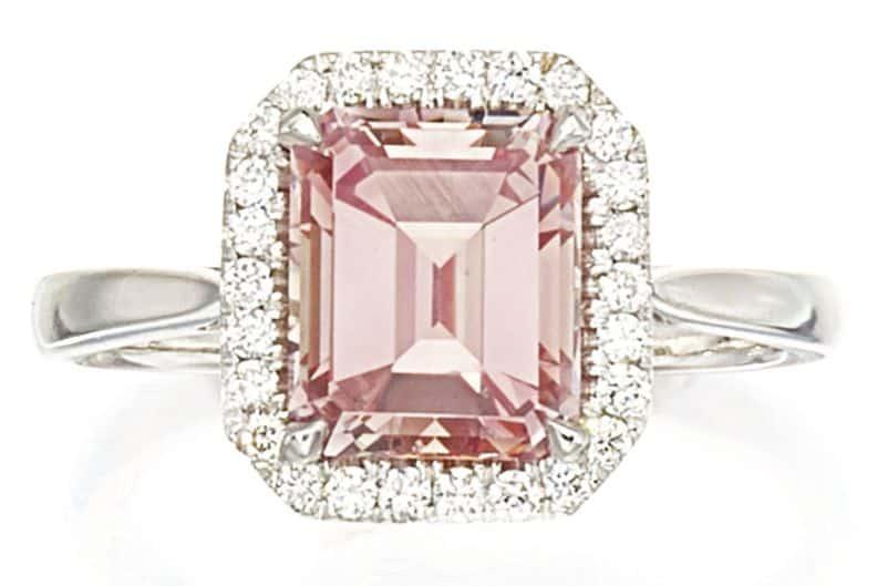 LOT 9193 - FANCY INTENSE PINK DIAMOND AND DIAMOND RING