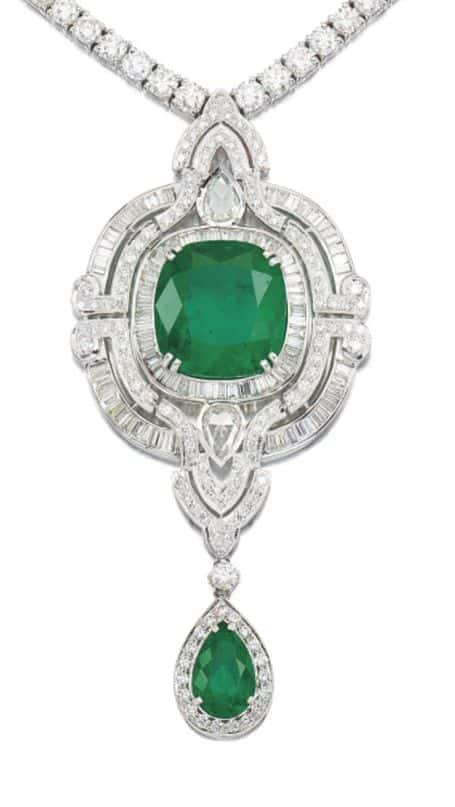 LOT 9056 - PENDANT OF THE EMERALD AND DIAMOND NECKLACE ENLARGED