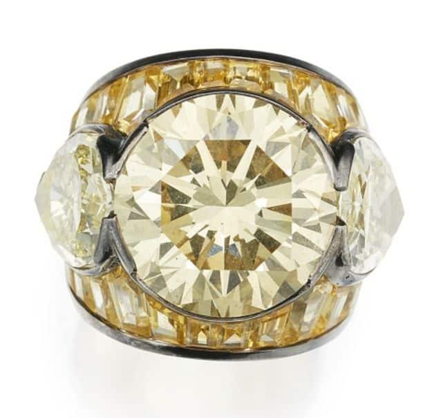 LOT 282 - COLORED DIAMOND, COLORED SAPPHIRE AND DIAMOND RING, REPOSSI