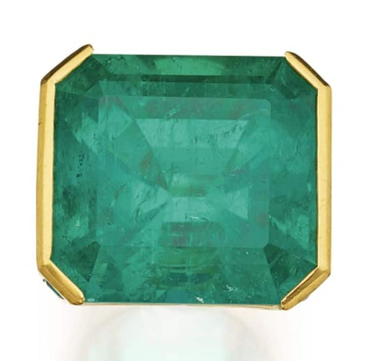LOT 276 - EMERALD AND DIAMOND RING, REPOSSI, FROM ABOVE