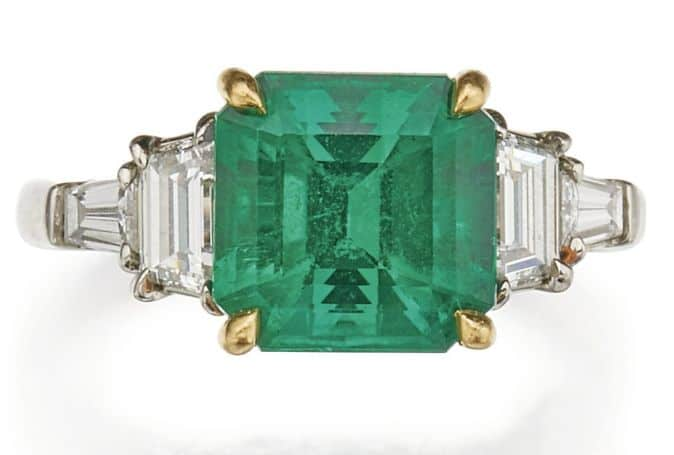 LOT 263 - EMERALD AND DIAMOND RING, TIFFANY & CO