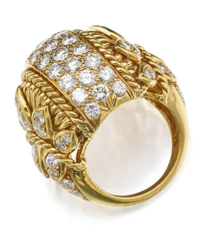 LOT 296 - GOLD AND DIAMOND RING, VAN CLEEF & ARPELS, SIDE VIEW