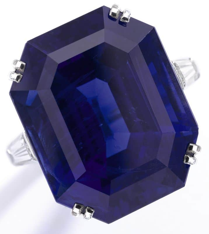 IMPORTANT BURMESE SAPPHIRE AND DIAMOND RING BY VAN CLEEF & ARPELS