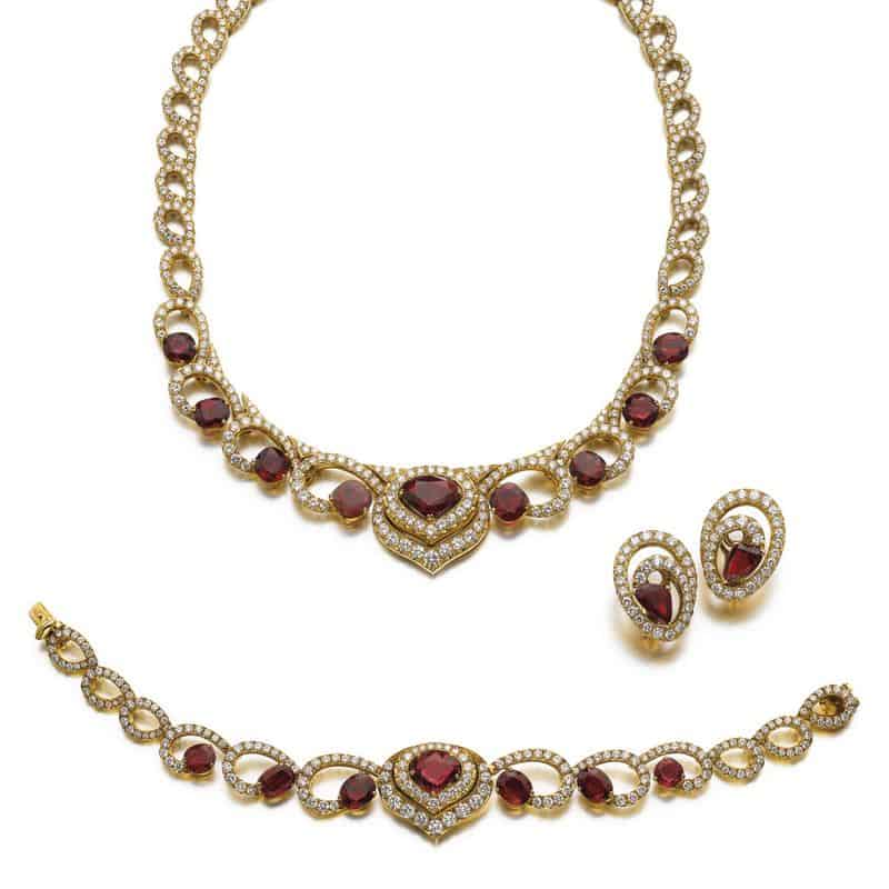 LOT 664 – RUBY AND DIAMOND PARURE