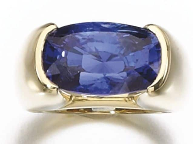 LOT 361 – SAPPHIRE RING