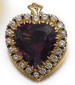LOT 542 - BROOCH CUM PENDANT OF THE AMETHYST AND DIAMOND PARURE