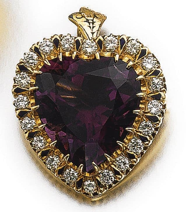 LOT 542 - BROOCH CUM PENDANT OF THE AMETHYST AND DIAMOND PARURE