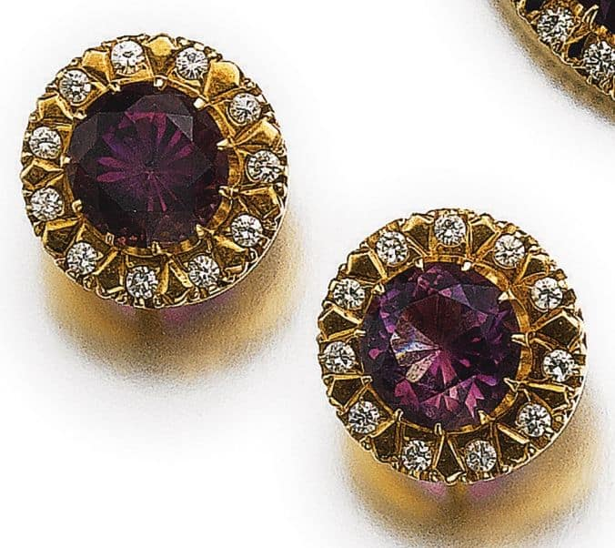 LOT 542 - PAIR OF EARCLIPS OF AMETHYST AND DIAMOND PARURE