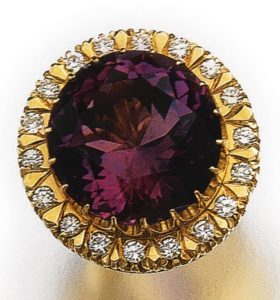 LOT 542 - RING OF THE AMETHYST AND DIAMOND PARURE