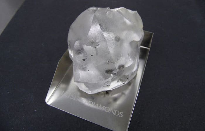 910-CARAT, TYPE 11a, D-COLOR ROUGH DIAMOND RECOVERED AT LETSENG MINE