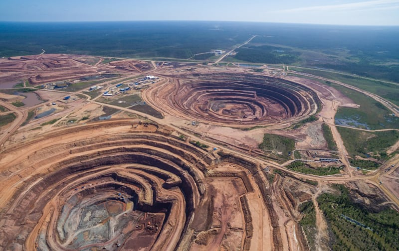 KARPINSKY (LEFT) AND ARKHANGELSK (RIGHT) OPEN PIT MINES AT YAKUTIA