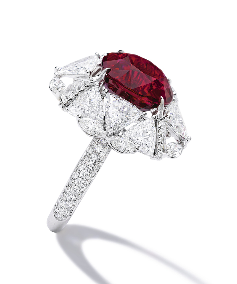 LOT 1763 - AN IMPORTANT RUBY AND DIAMOND RING