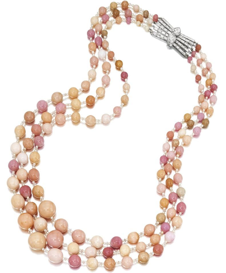 LOT 1582 - CONCH PEARL, SEED PEARL AND DIAMOND NECKLACE