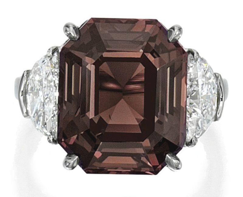 LOT 1590 - ALEXANDRITE AND DIAMOND RING - UNDER INCANDESCENT LIGHT
