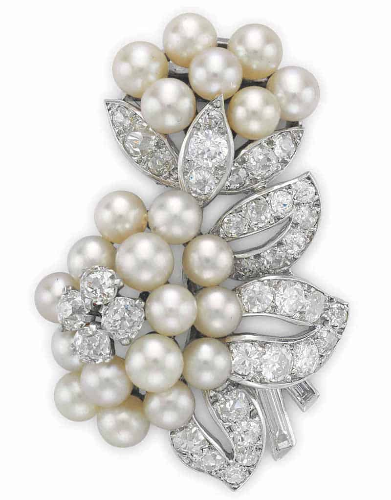 LOT 51 - A SEED PEARL AND DIAMOND CLIP BROOCH, BY CARTIER