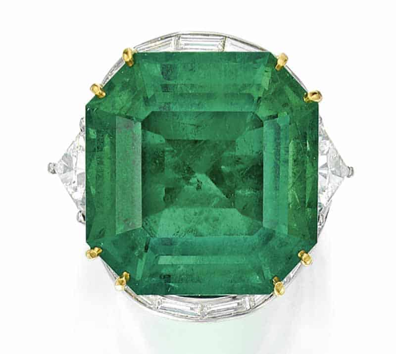 LOT 116 - EMERALD AND DIAMOND RING, OSCAR HEYMAN & BROTHERS