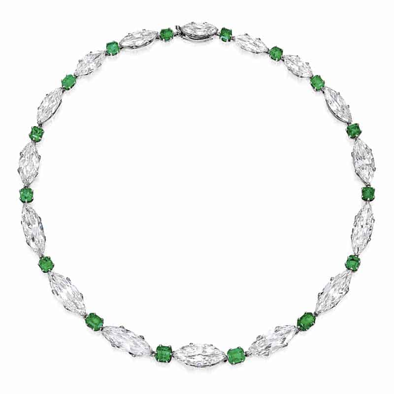 LOT 134 - AN EXQUISITE EMERALD AND DIAMOND NECKLACE, TIFFANY & CO.