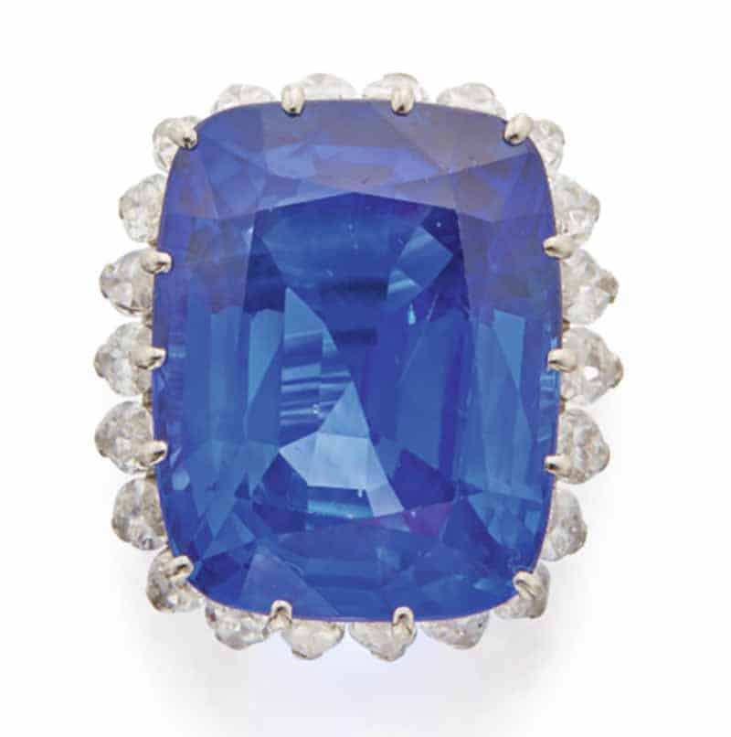 LOT 613 - TOP VIEW OF SAPPHIRE AND DIAMOND RING, CARTIER, PARIS