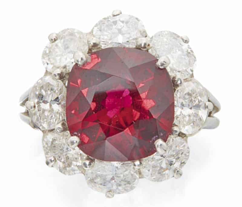 LOT 672 - RUBY AND DIAMOND RING, OSCAR HEYMAN & BROTHERS