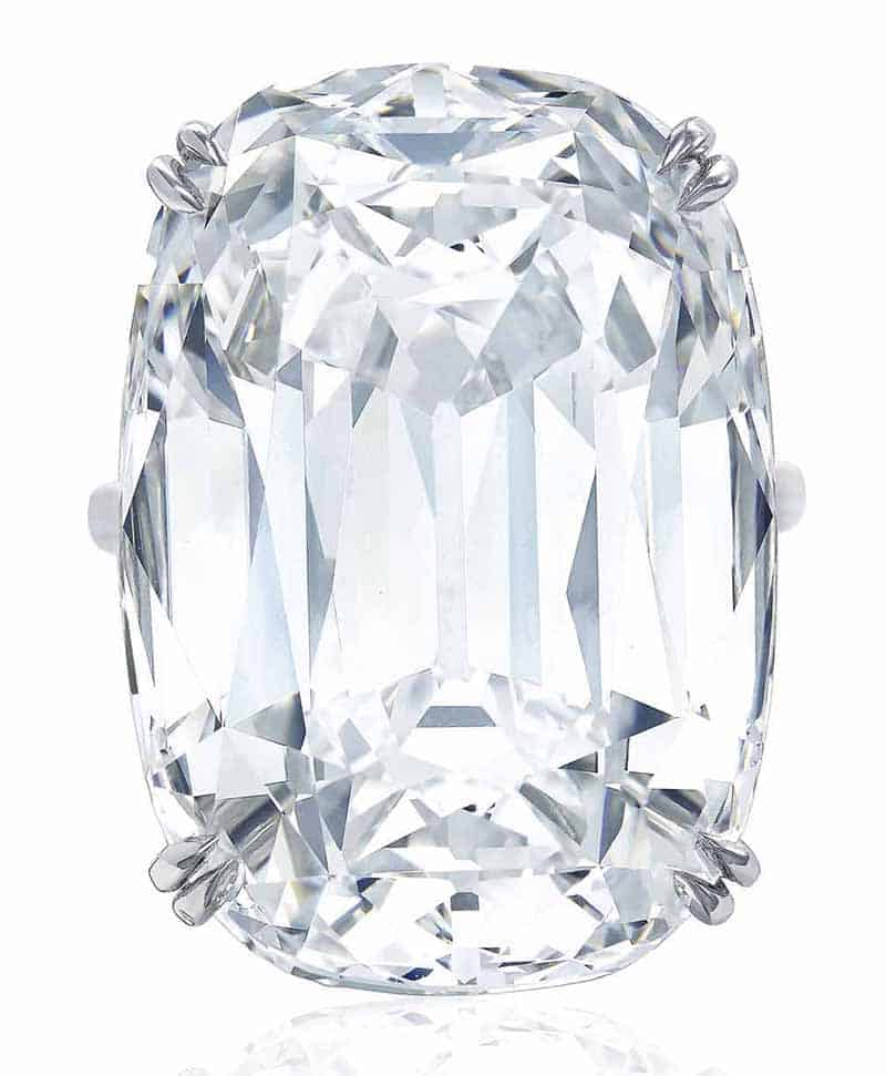 LOT 419 - SUPERB DIAMOND RING, HARRY WINSTON