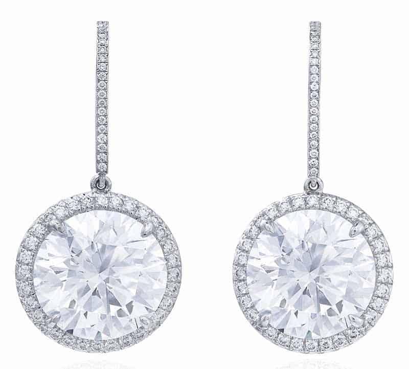 LOT 402 - DIAMOND EARRINGS