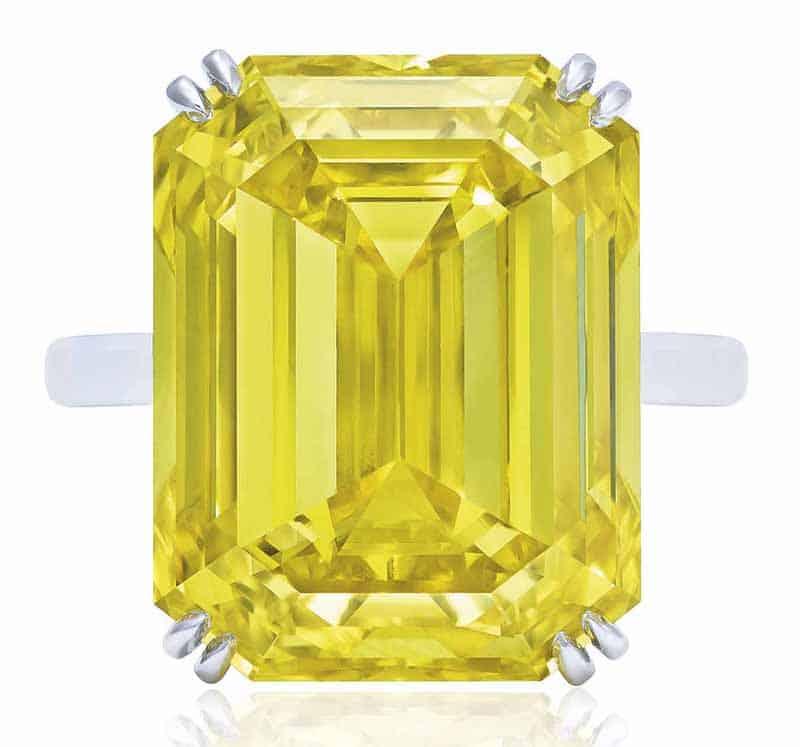 LOT-414 - SENSATIONAL COLOURED DIAMOND RING