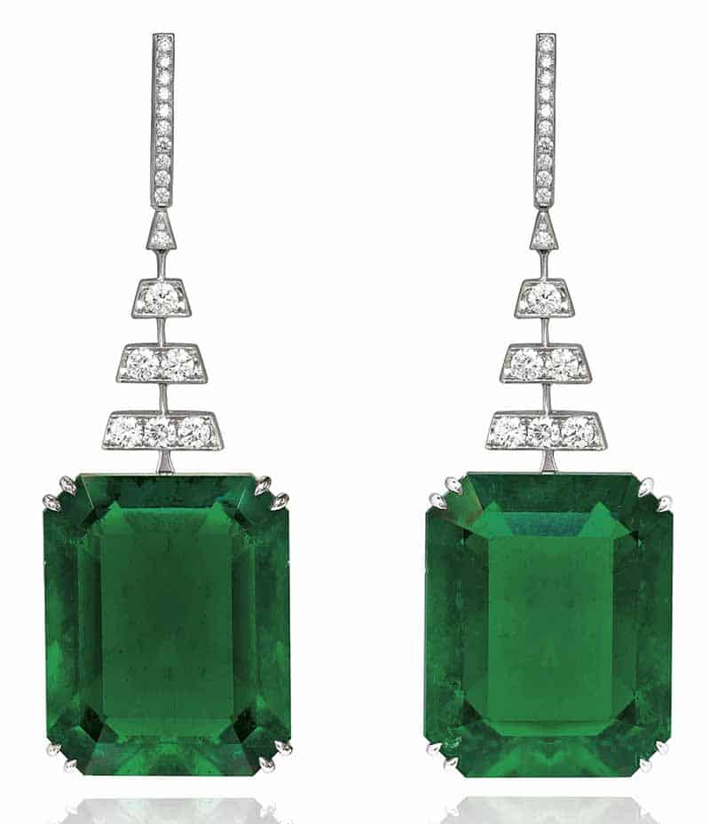 LOT 359 - EXCEPTIONAL PAIR OF EMERALD AND DIAMOND EARRINGS