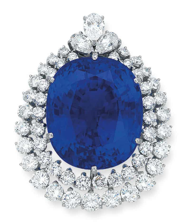 LOT 1964 - AN IMPORTANT SAPPHIRE AND DIAMOND