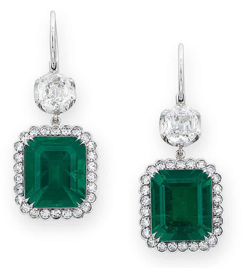 LOT 1977 - A PAIR OF EMERALD AND DIAMOND EAR PENDANTS