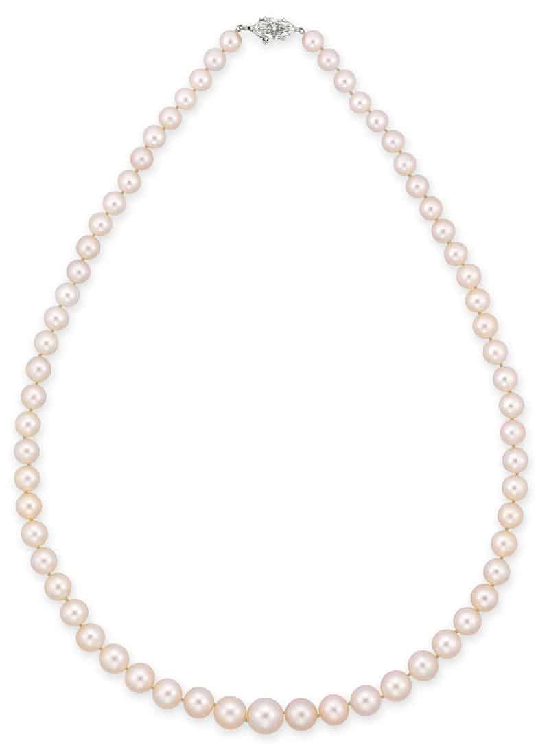 LOT 2019 - A SUPERB SINGLE-STRAND NATURAL PEARL AND DIAMOND NECKLACE
